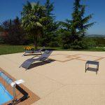 plage de piscine granulat